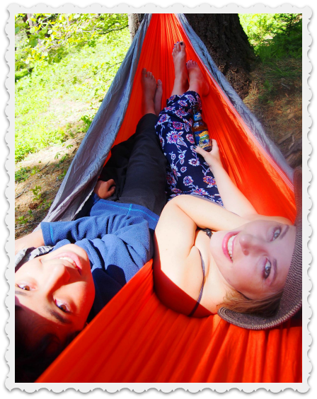 April - Amy & Luc - Hammock time